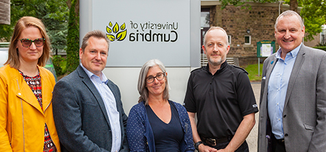 l-r: University of Cumbria policing Lecturer Barry Lees; Chief Inspector Ian Cooper of 兰开斯特 Police; university head of department Dr Caroline Rouncefield and policing lecturers Alex Leek and Dr Lula Mecinska.