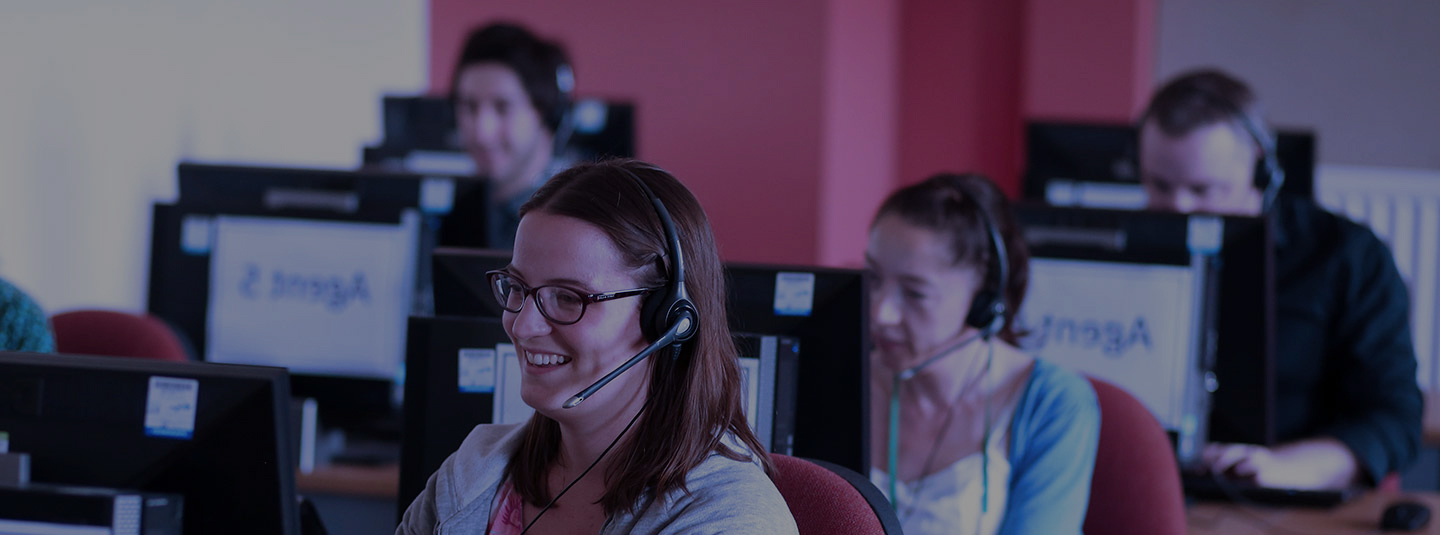 Clearing call centre, call agent on phone - Original file name: